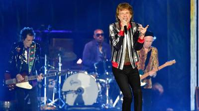 The Rolling Stones pay tribute to Charlie Watts at 2021 tour kickoff in St. Louis
